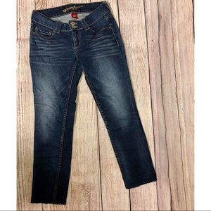 Dark Washed Cropped Jeans